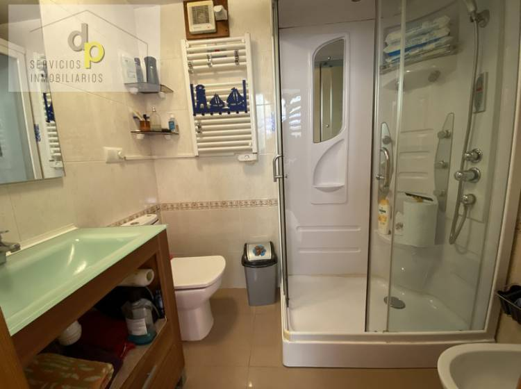bathroom whit shower